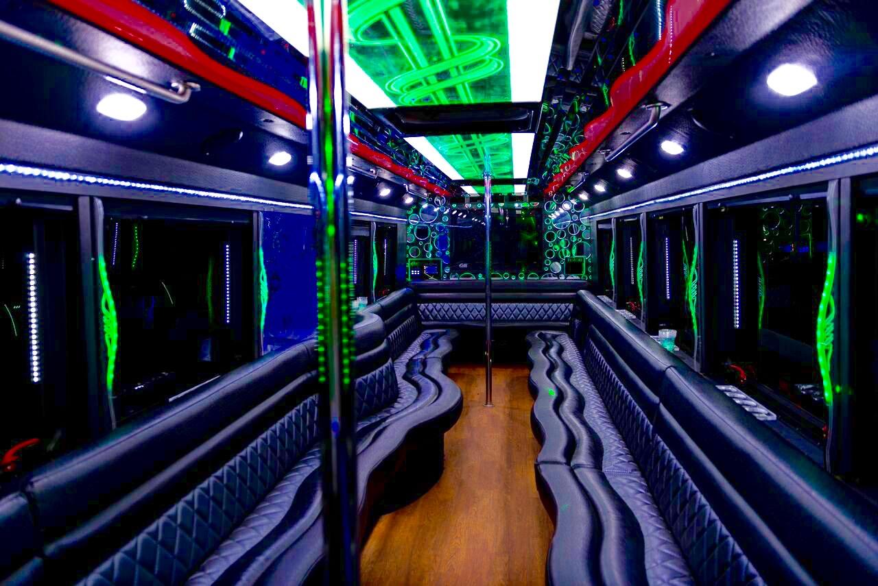 da-Vinci-party-bus-interior1