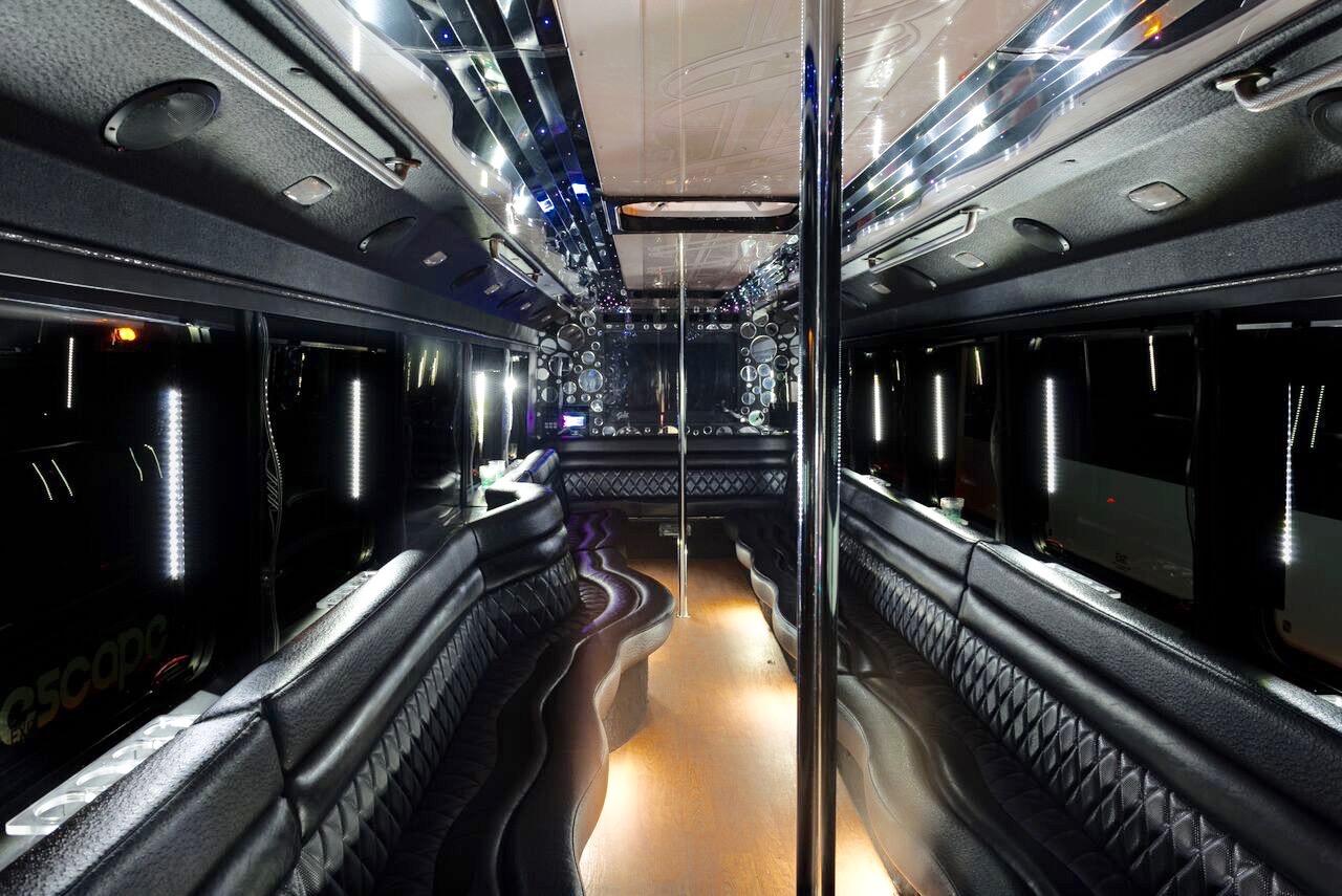 da-Vinci-party-bus-interior2