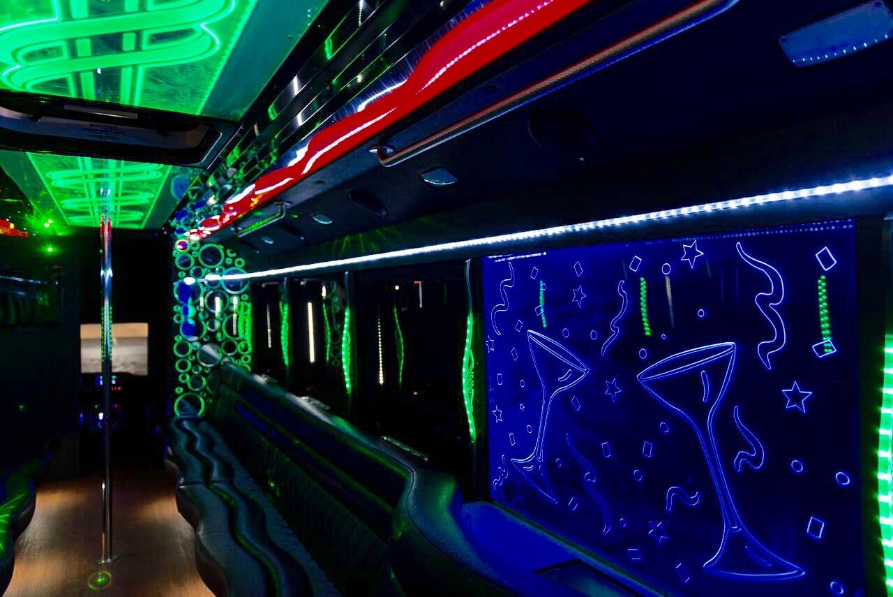 da-Vinci-party-bus-interior4
